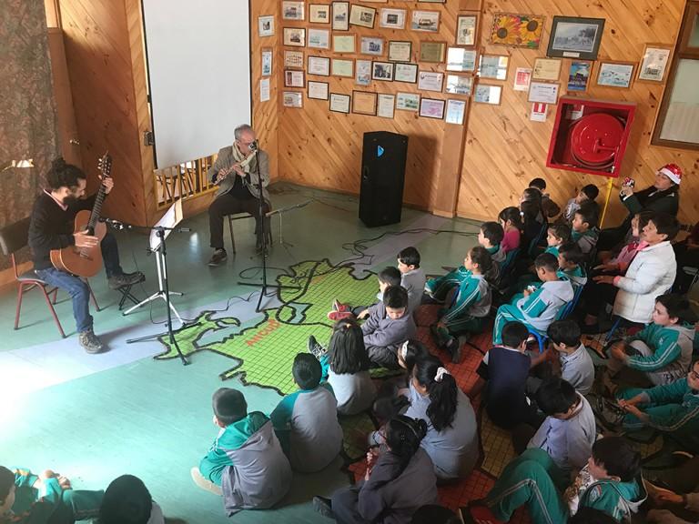 Escuela rural de Manao